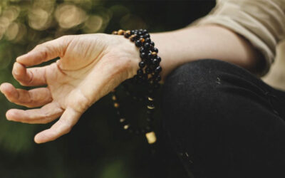 Light up your brain – 7 Steps Kirtan Kriya meditation